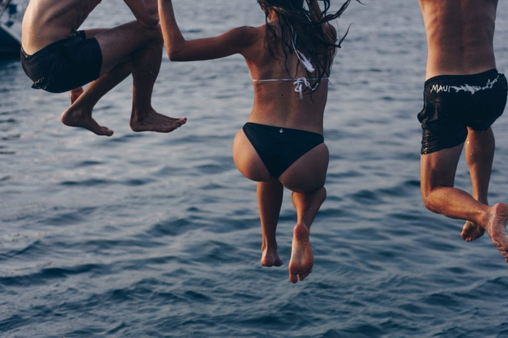 Beginner investor diving pic